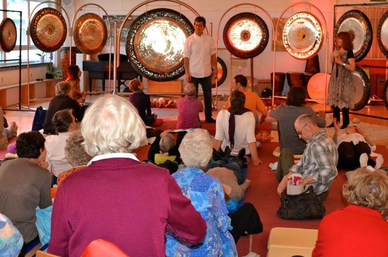 Gongmeditation mit Jens Zygar und Barbara Ostertag auf den Klangtagen München